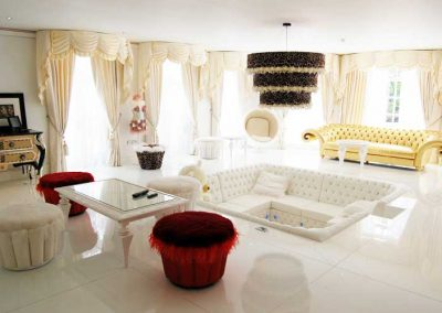 custom-upholstered-lounge